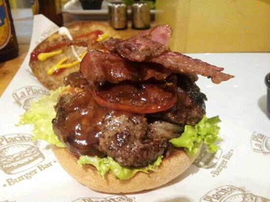 La Placita Burger Bar: nada de cadenas multi..aguante la placita