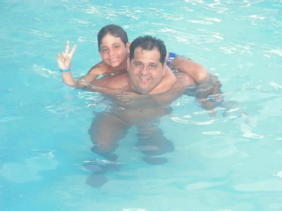 Pousada Peki : Curtindo a piscina
