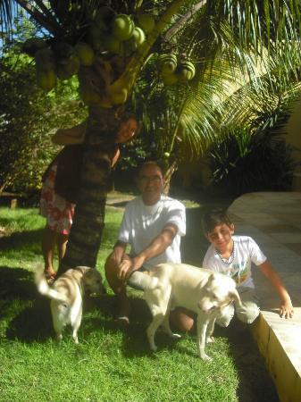 Pousada Peki : Com José e Janete, e os cãezinhos Junior e Shiri