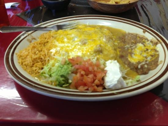 Jorge's Cafe: combo enchiladas with green sauce. completely addictive!!!