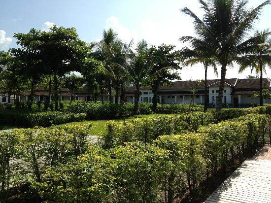 Sofitel Luang Prabang Hotel: Garden