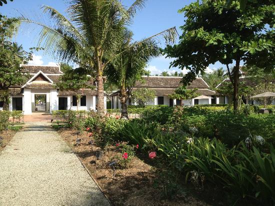 Sofitel Luang Prabang Hotel: Rose garden