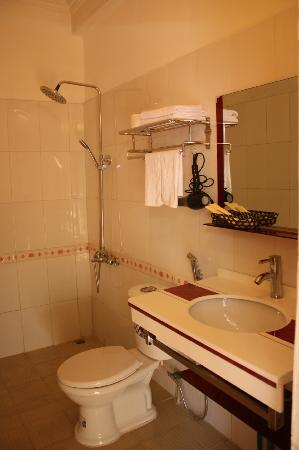 Sapa Cozy Hotel: Bathroom