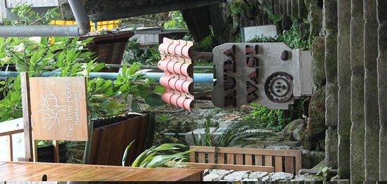 Rupa Wasi  Lodge: Entrance