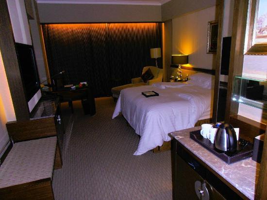 Sofitel Macau At Ponte 16: city view room floor 12