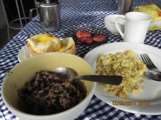 Posada Del Arenal: Breakfast