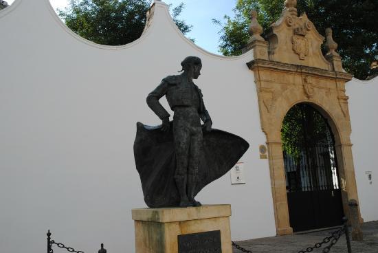 La Ciudad: Plaza de toros