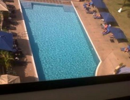 Accra City Hotel: View of the pool from my room