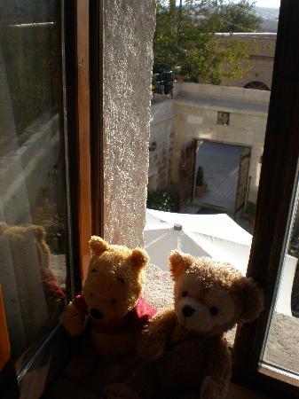 サフラン ケイヴ ホテル, 部屋の窓から