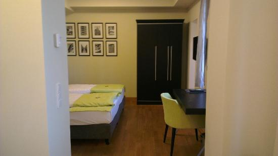 Hotel Hamburger Hof: Room