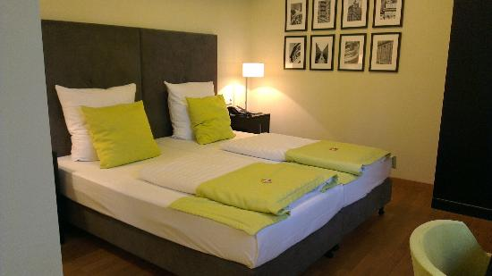 Hamburger Hof Hotel: Bed