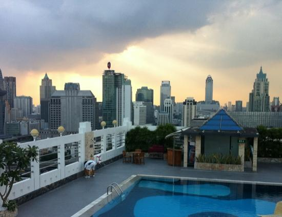 Zenith Sukhumvit Hotel Bangkok: from the pool jacuzzi