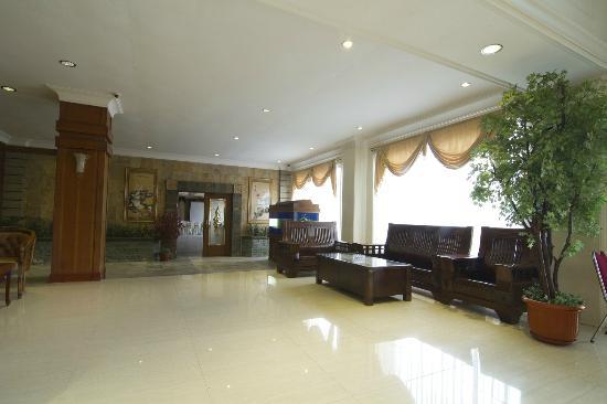 Garuda Hotel: Lobby 1