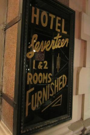 Hotel 17: Retro Sign