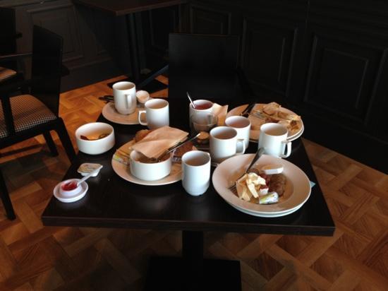 First Hotel Victoria: frokostsalen 09.30