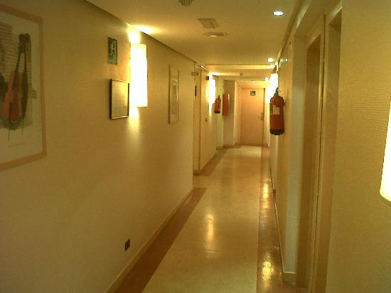 Hotel Pozuelo: corridoio