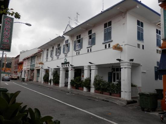 Perak Hotel: View from the street
