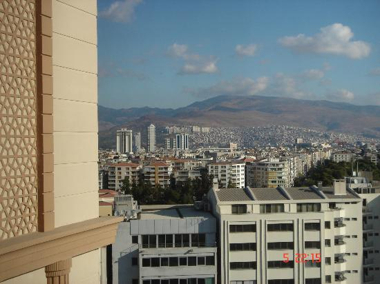 DoubleTree by Hilton Izmir - Alsancak: Η θεα από το δωματιο μας