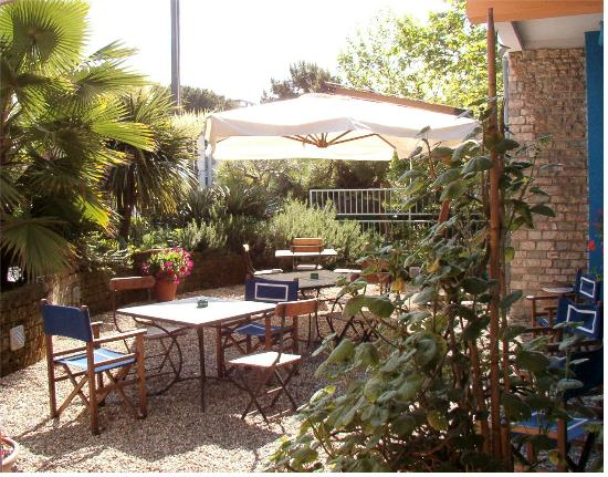 Hotel Morgana: giardino esterno