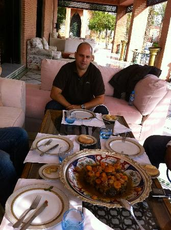 L Mansion Marrakech: The best lunch in the Lmansion terrace with my very good friend Marcos and others