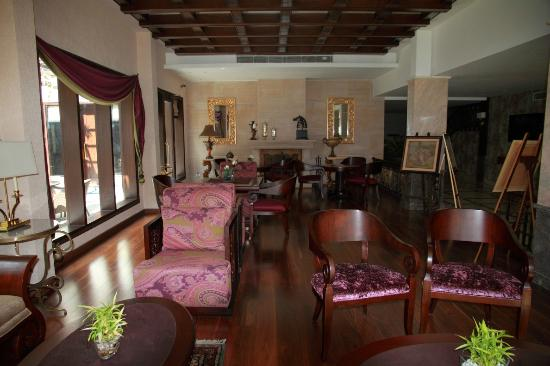 Rock Manali Hotel & Spa: Lobby - 3