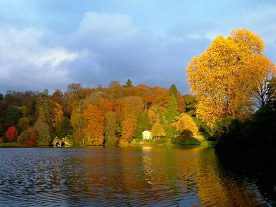 Stourhead House and Garden: Temple of Flora and the boathouse