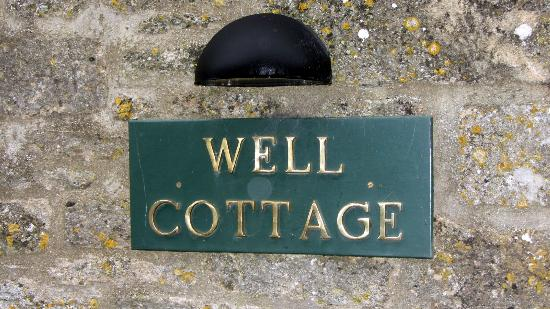 Well Cottage Bed and Breakfast: signage