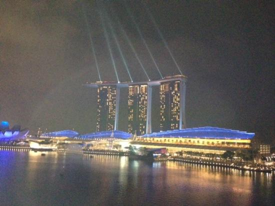 The Fullerton Bay Hotel Singapore: View from roof top pool bar