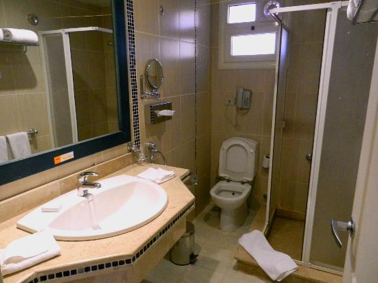 Aurora Bay Resort: Bathroom