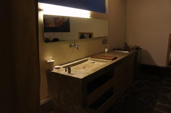 Clio Apartments : kitchen