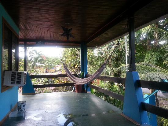 Hotel Kangaroo: one of the many hammocks you an take a siesta on
