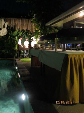Villa Drupadi: BBQ dinner