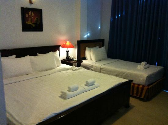 Meraki Hotel: Deluxe room: 1 king sized + 1 single bed