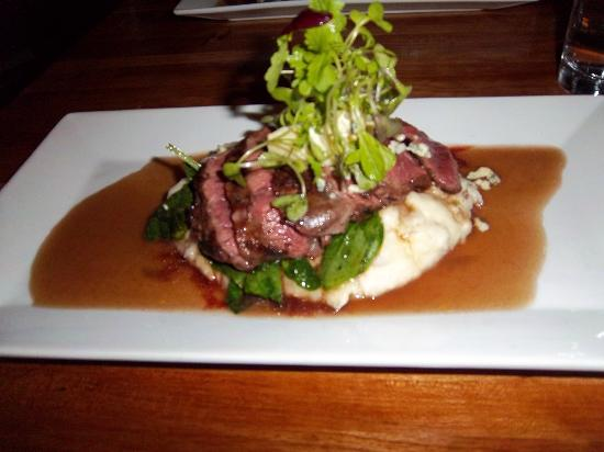 Mache Bistro: Flank steak with potatoes, blue cheese and au jus