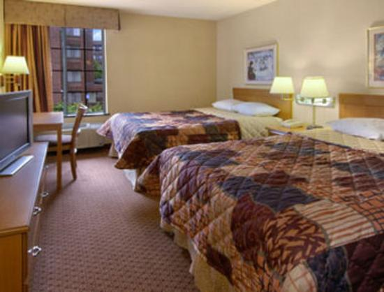 Days Inn - Atlanta Marietta Windy Hills: Standard Two Double Bedroom