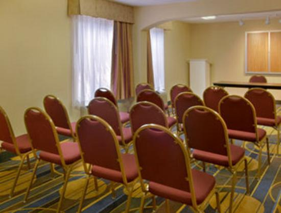 Days Inn - Atlanta Marietta Windy Hills: Meeting Room