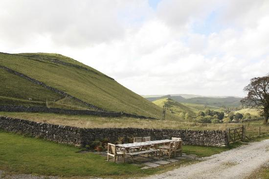 Wheeldon Trees Farm Holiday Cottages: View into the valley - day