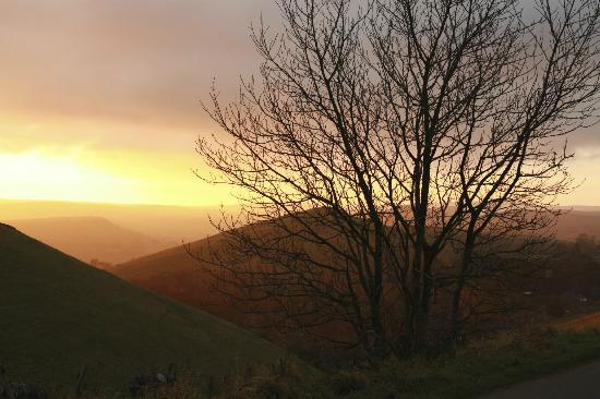 Wheeldon Trees Farm Holiday Cottages: View into the valley - sunset