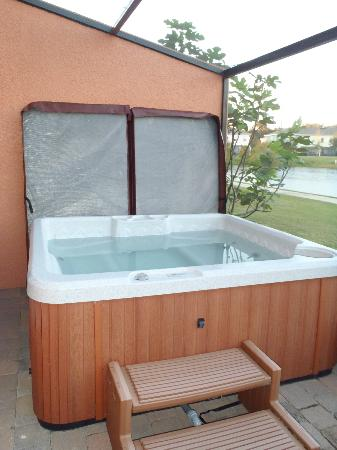 Coral Cay Resort: Private Hot Tub in house