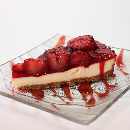 Lithos Bar & Grill: Lithos strawberry cheesecake