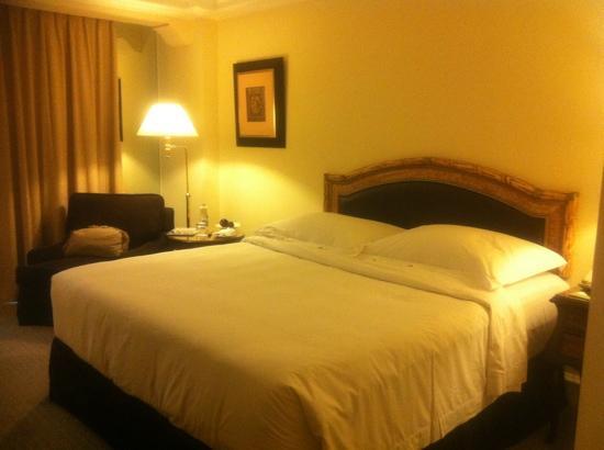 Hotel Gran Mahakam Jakarta: comfy bed