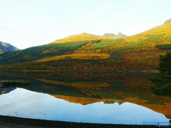 Arrochar Hotel: Autumn Morning
