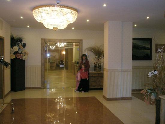Hotel Piz Galin: Ingresso sala ristorante