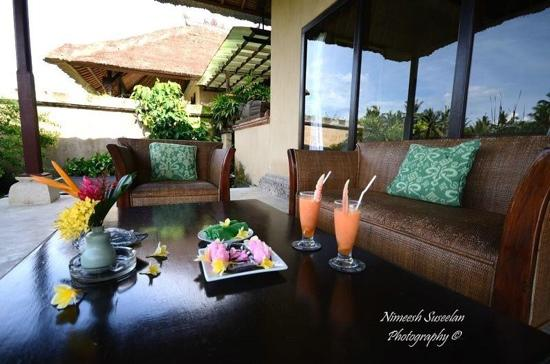 welcome drinks and snacks at mandala Desa