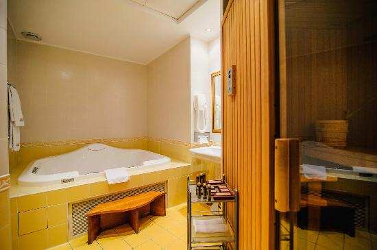 Hotel Oreanda: Royal apartment, jacuzzi