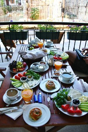 Villa Verde Pension: Frühstück