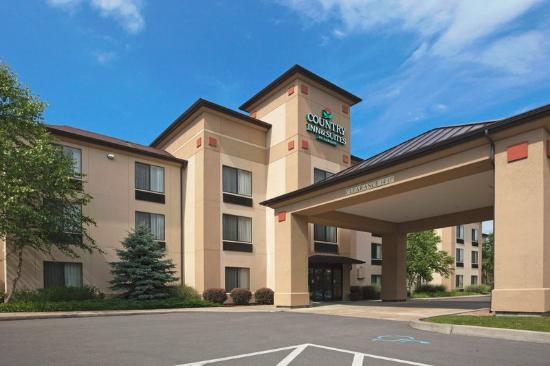 Cooperstown Inn & Suites at the Ballpark: CountryInn&Suites Milford ExteriorDay
