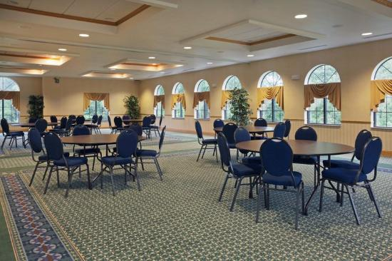 Cooperstown Inn & Suites at the Ballpark: CountryInn&Suites Milford MeetingRoom
