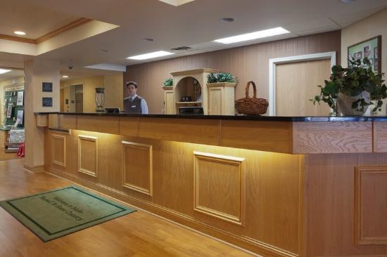 Cooperstown Inn & Suites at the Ballpark : CountryInn&Suites Milford Lobby