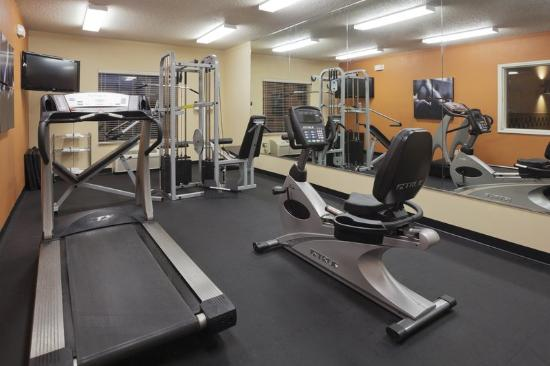 Cooperstown Inn & Suites at the Ballpark: CountryInn&Suites Milford FitnessRoom